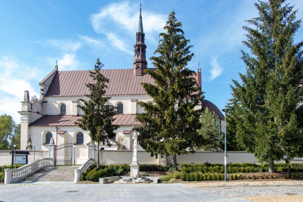 Tarczek, Raków, Rytwiany, sanktuarium w Rakowie