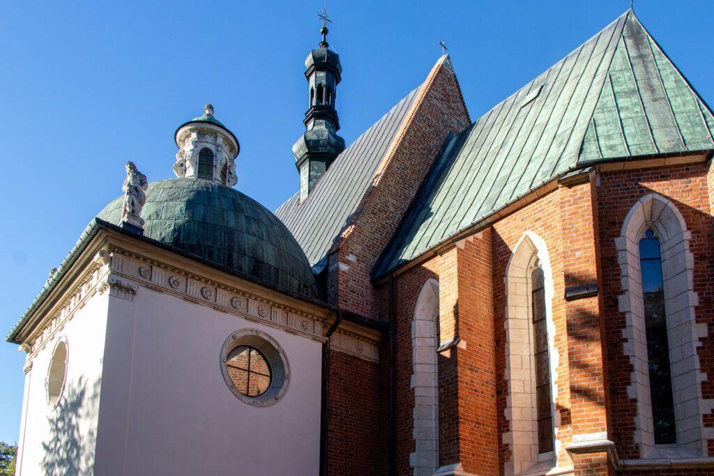 Wiślica, Bejsce i Sancygniów. Kościół w Bejscach i kaplica Firlejów