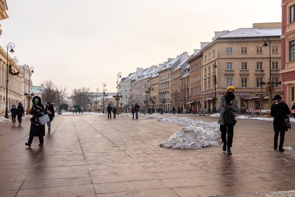 Plac Zamkowy w Warszawie. Widok na Krakowskie Przedmieście