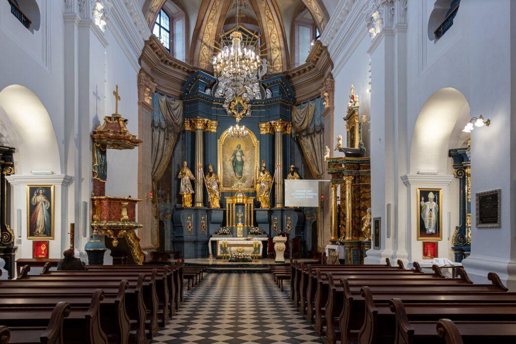 Rawa Mazowiecka. Ołtarz główny w kościele Niepokalanego Poczęcia NMP