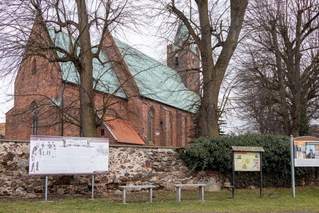 Kościół w Małujowicach