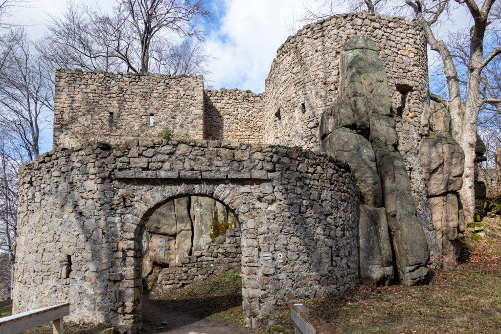 Wejście do zamku Bolczów