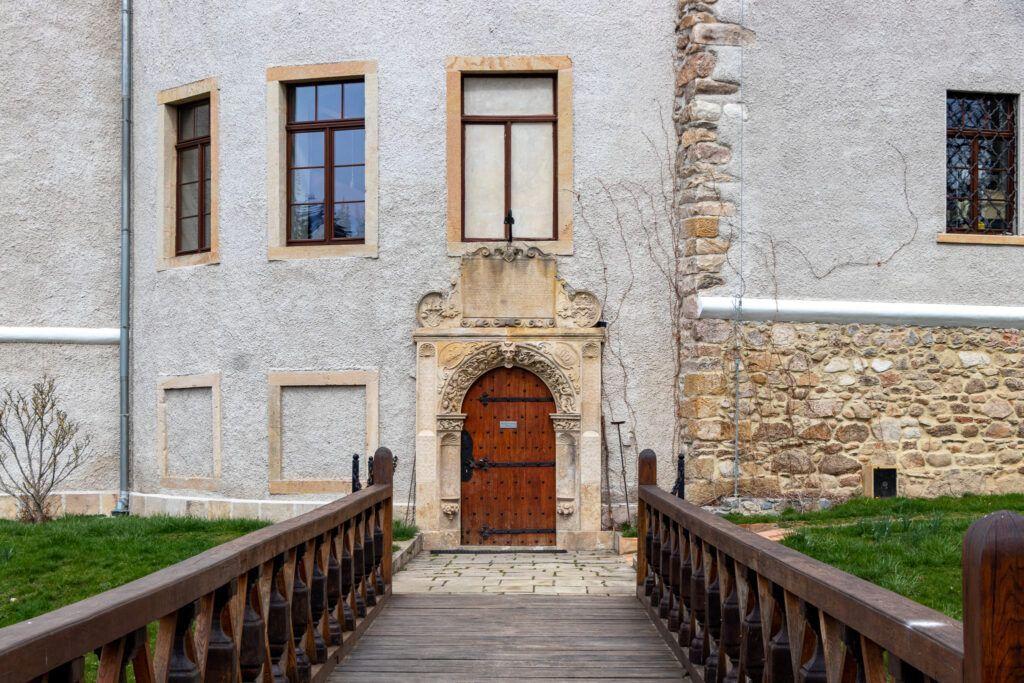 Zabytkowy portal