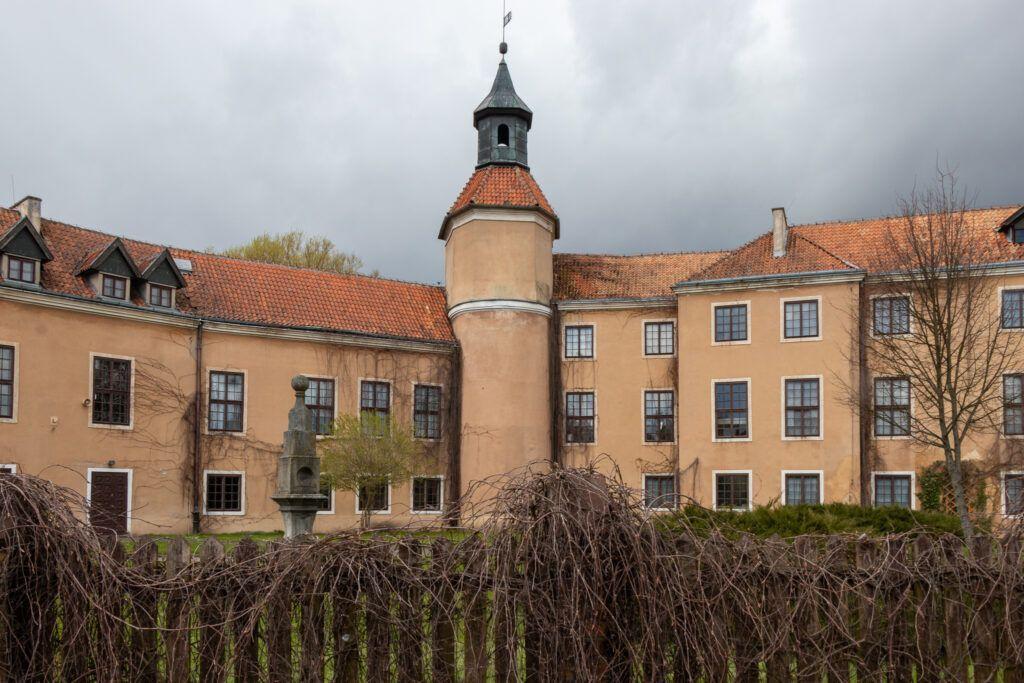 Pałac, a w nim muzeum