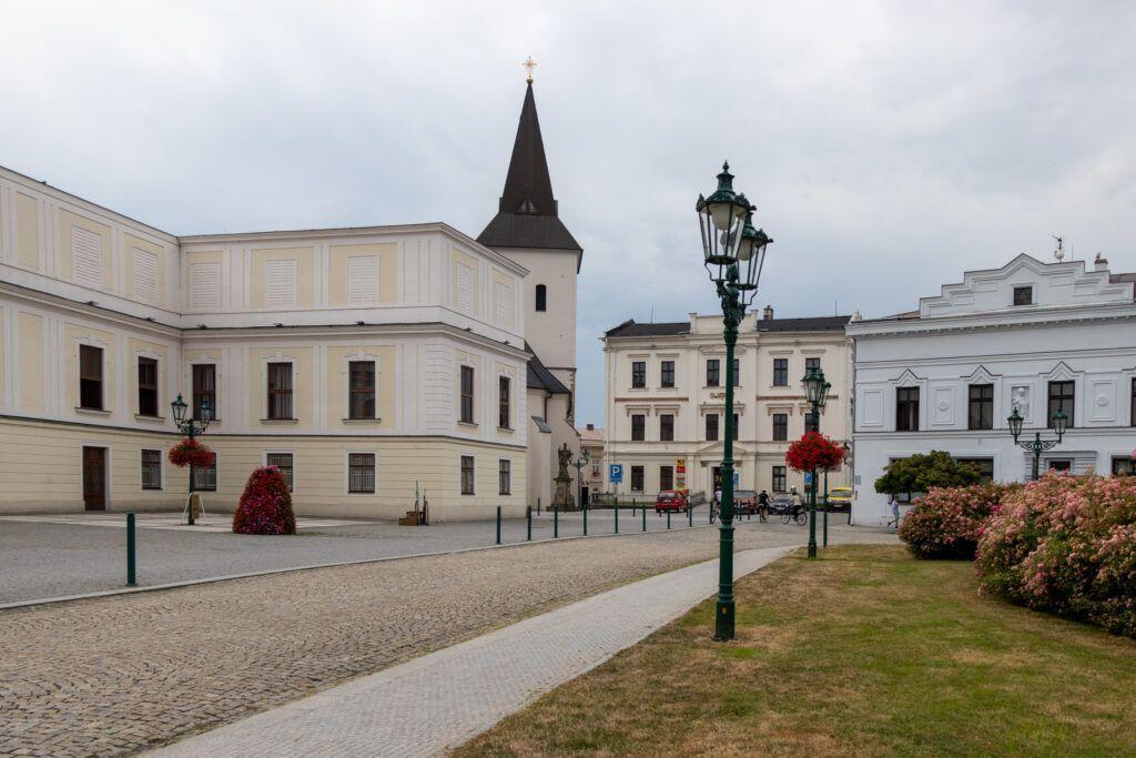 Pałac Frysztat. Pałac i kościół