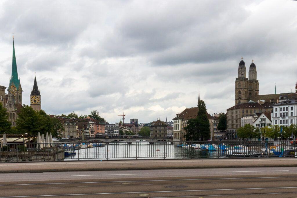 Widok z mostu na Stare Miasto