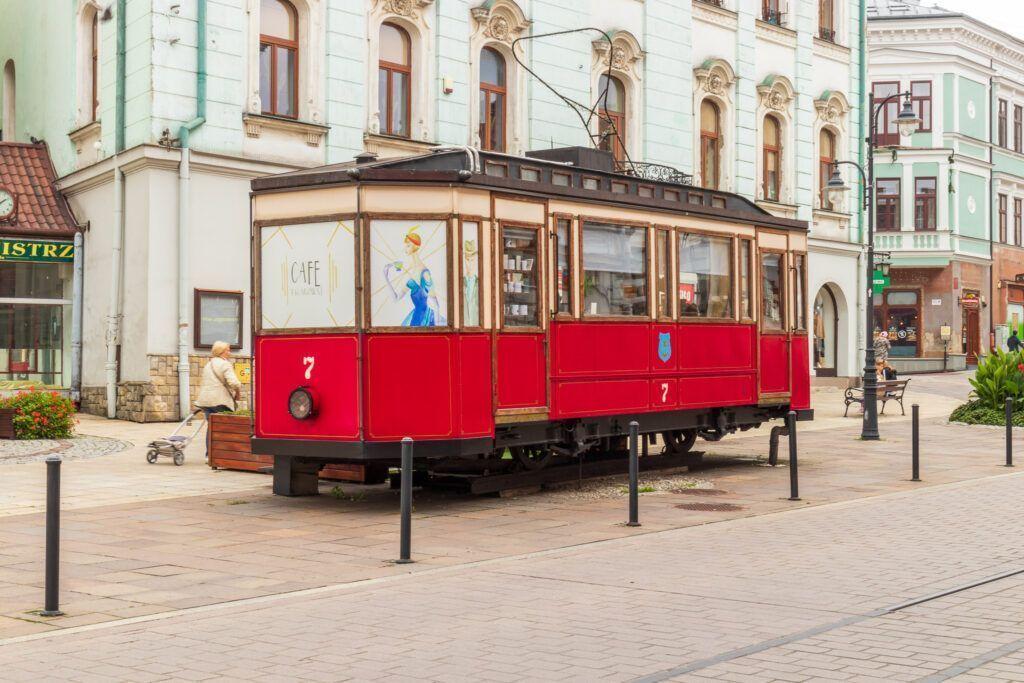 Atrakcje Tarnowa. Pamiątkowy tramwaj